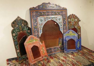 Small Zouak mirror with folding doors