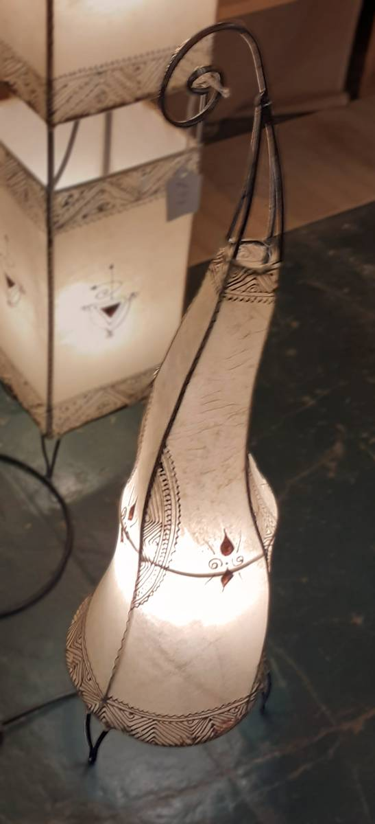 60cm 'Coq' Standing light with 1 lamp, natural henna